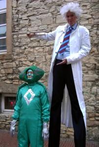 Professor Dr. Dings präsentiert seinen Alien